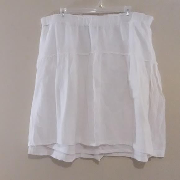 Old Navy Dresses & Skirts - Old Navy White Skirt.